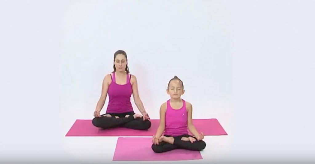 Posiciones básicas de yoga para iniciar tu día